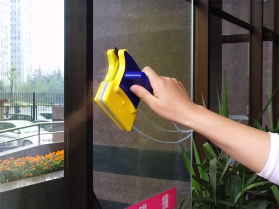 家政公司提供專業擦玻璃(圖2)