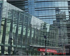 金属支承结构点式玻璃幕墙