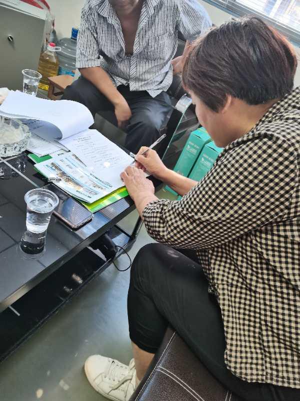 开封刘姐辞职后订购小蝌蚪全自动豆腐机来创业